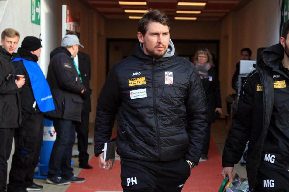 Kein schönes Debüt für den neuen Co-Trainer Patrick Helmes.