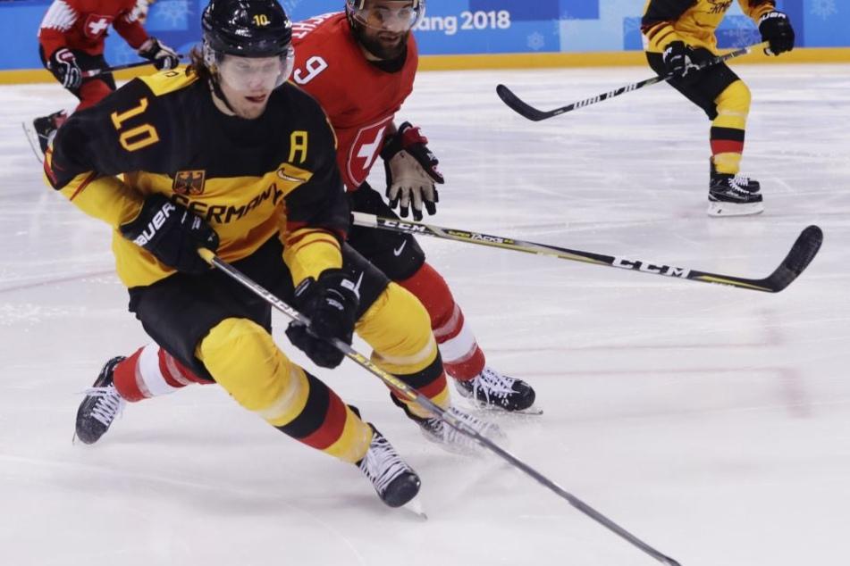 Erhoff und seine Kollegen schafften mit den Siegen gegen Schweden und Kanada schon zwei Sensationen.