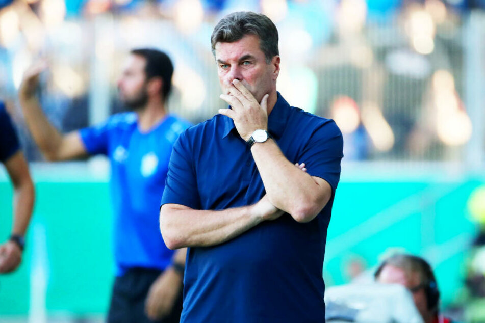 HSV-Coach Dieter Hecking erwartet seinen ehemaligen Schützling Cristian Fiel zum Duell in Hamburg.