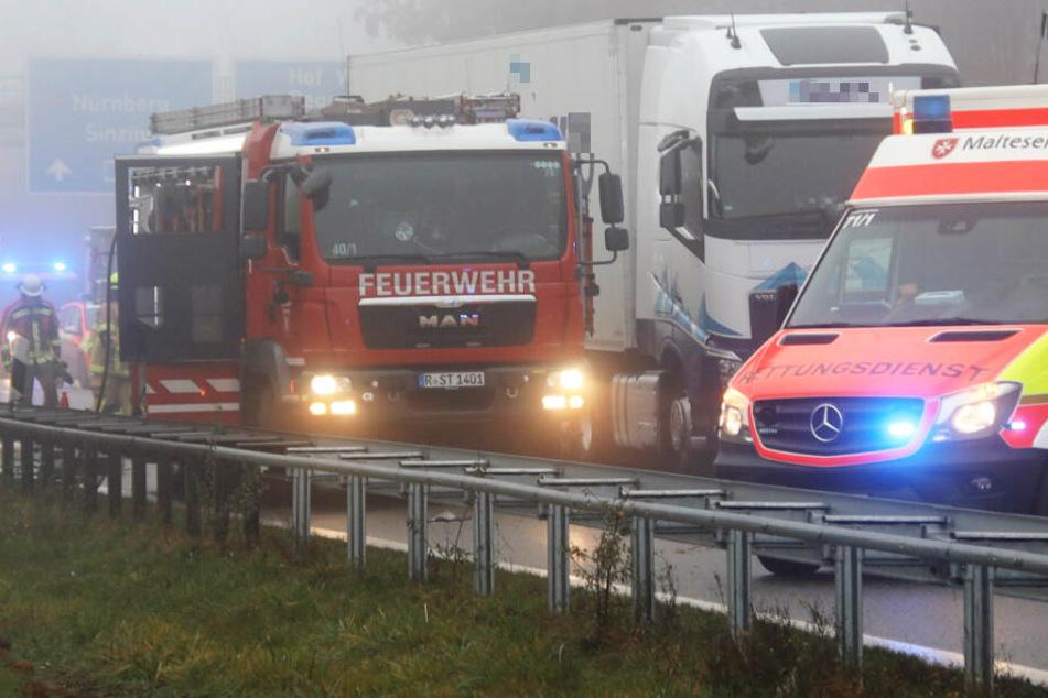 Auf der Autobahn 3 bei Regensburg ist es zu einem schweren Unfall gekommen.