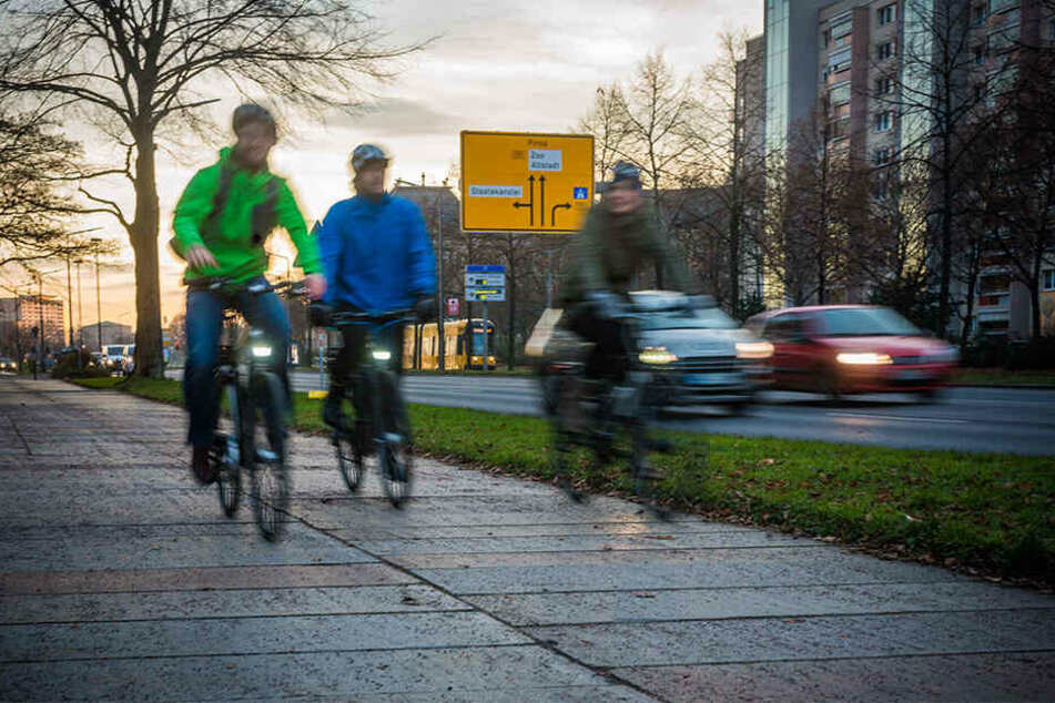 Der Zoff um die Radwege an der Albertstraße geht in die nächste Runde.