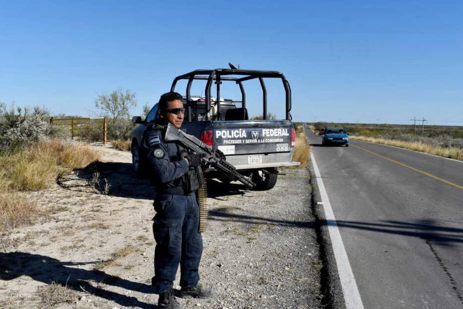 Es ist nicht das erste Mal, dass ein solcher Fund in Mexiko für Aufsehen sorgt. Erst im September diesen Jahres fanden Beamte ebenfalls zehn zerstückelte Leichen auf einem Feld. (Symbolbild)