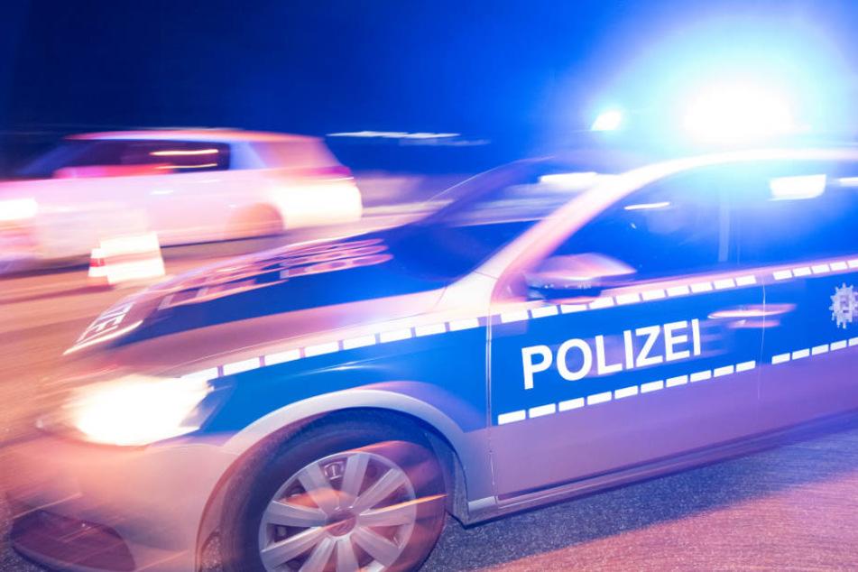 Die Polizisten mussten die Verfolgung am Ende abbrechen (Symbolbild).