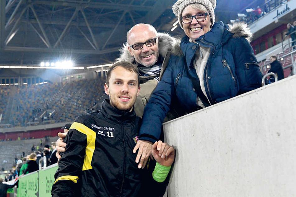 Marvin Schwäbe freut sich auf sein  Heimspiel in Darmstadt. Morgen sind nicht nur Vater Ralf und Mutter Ramona  dabei, sondern auch sein 35-köpfiger Fanclub.