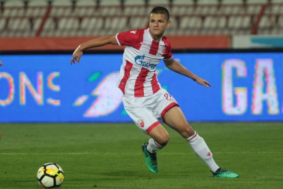 Neuer Super-Serbe für die Eintracht? Dejan Joveljic im Fokus.