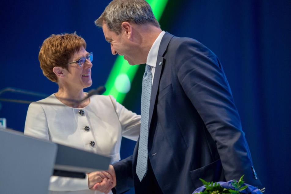CDU-Chefin Annegret Kramp-Karrenbauer und CSU-Boss Markus Söder zeigen Geschlossenheit.