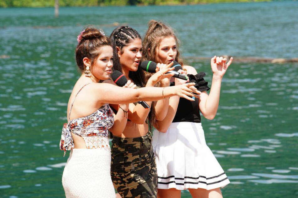 """Shanice Porkar, Joana Kesenci und Ecem Safa (v.l.) haben sich den Song """"The Greenery Panvaree"""" den Song """"Solo"""" von Clean Bandit feat. Demi Lovato ausgesucht."""