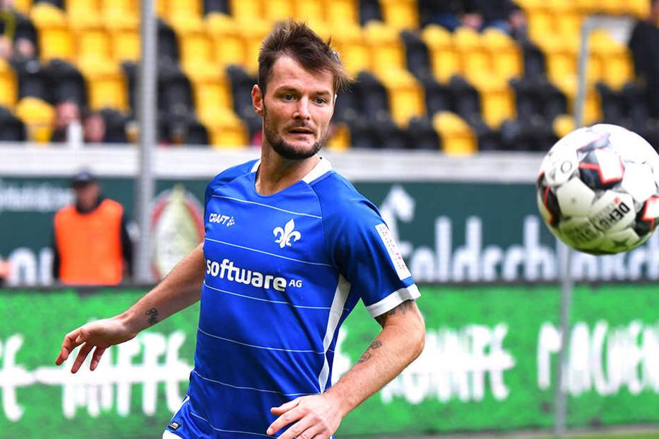 Im Hinspiel kassierte Marcel Heller mit seinen Lilien in Dresden eine herbe 1:4-Niederlage.