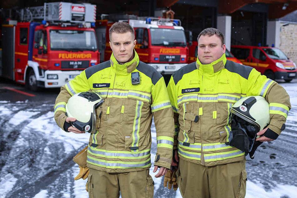 Michel Sittmann (28, l.) und Marcel Kaiser (24) von der Freiwilligen Feuerwehr Pillnitz suchen neue Kameraden.