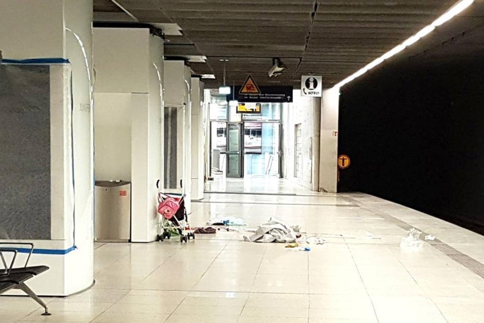 Nach dem Vorfall war der Bahnsteig verlassen. Nur noch der Buggy und einzelne Gegenstände waren zu sehen.