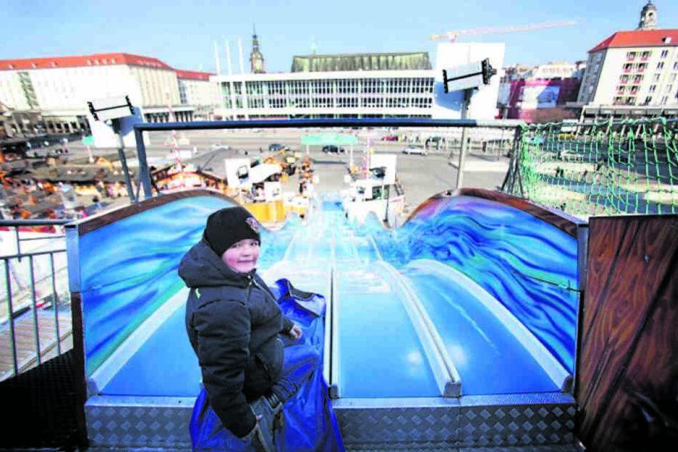 Die Rutsche soll ab nächstem Jahr nicht mehr Teil des Winterevents sein, fordert die Stadtverwaltung.
