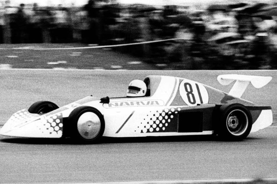 Im selbst konstruierten Rennwagen MT 77 gewinnt Ulli Melkus 1984 auf dem  Schleizer Dreieck die DDR-Meisterschaft.