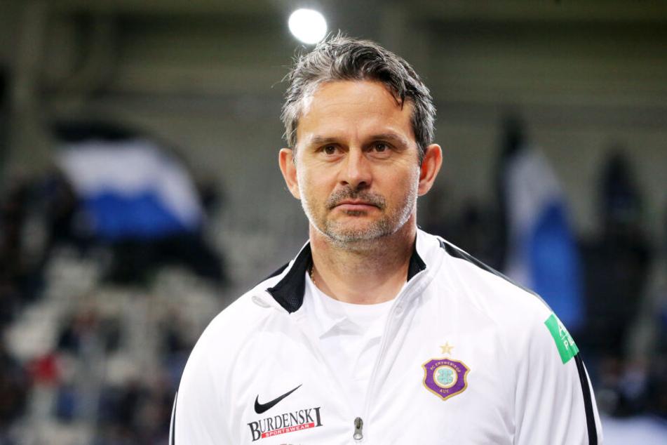 FCE-Trainer Dirk Schuster legte in der Vorbereitung sehr viel Wert auf die Verteidigung von Standards.