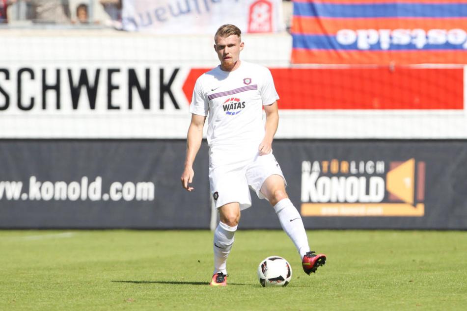 Abwehr-Ass Steve Breitkreuz ist erst seit Sommer 2015 in Aue und soll laut Vertrag bis 2017 bleiben.