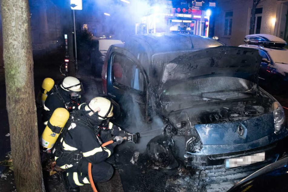 Die Feuerwehr konnte den Brand in der Rendburger Straße schnell löschen.