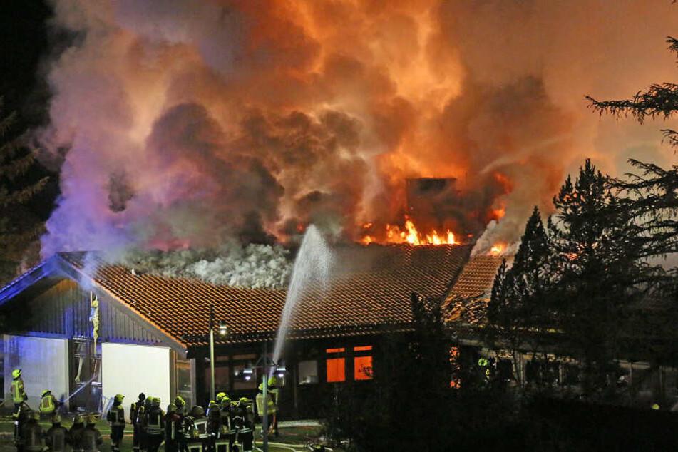 Insgesamt waren 13 Feuerwehren in Berchtesgaden im Einsatz, davon zwei aus Österreich.