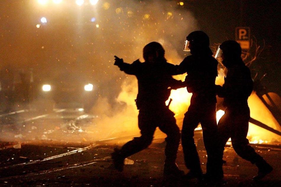Im Vorfeld zur Innenministerkonferenz in Leipzig werden Befürchtungen vor Gewalt-Ausschreitungen laut. (Symbolbild)