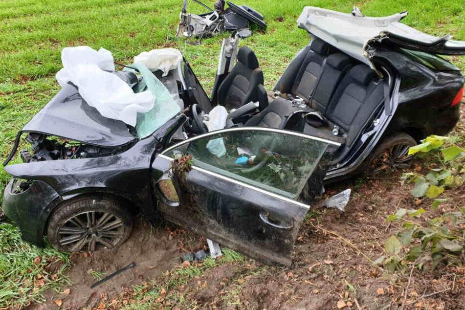 Der Fahrer musste schwer verletzt in ein Krankenhaus gebracht werden.