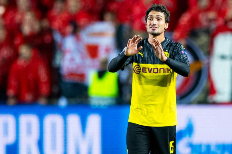 Mats Hummels fordert ein besseres Zweikampfverhalten des BVB.