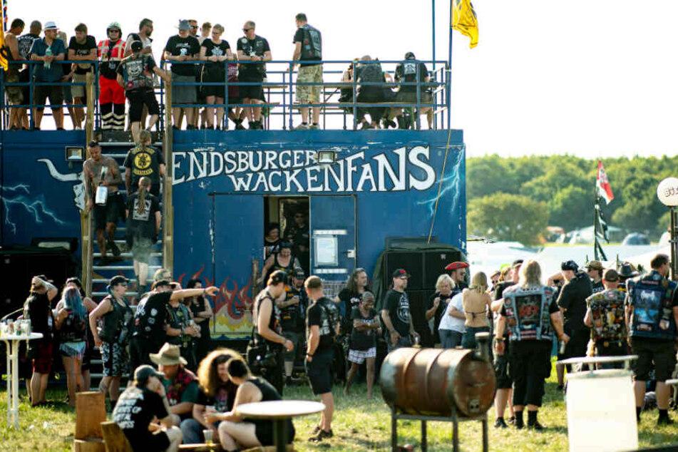 Noch vor der Eröffnung geht es beim Wacken-Festival traditionell los