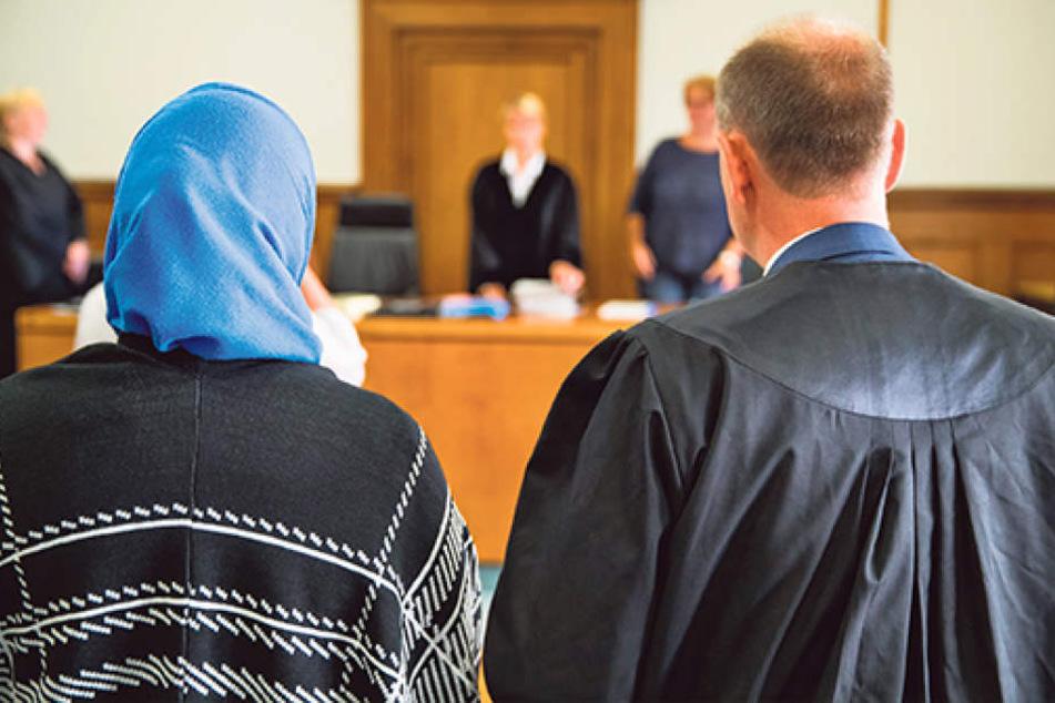 Dana Maria L. (40) hat nach Überzeugung des Gerichts ihre Kinder nach Syrien  entführt. Dafür muss sie in den Knast.