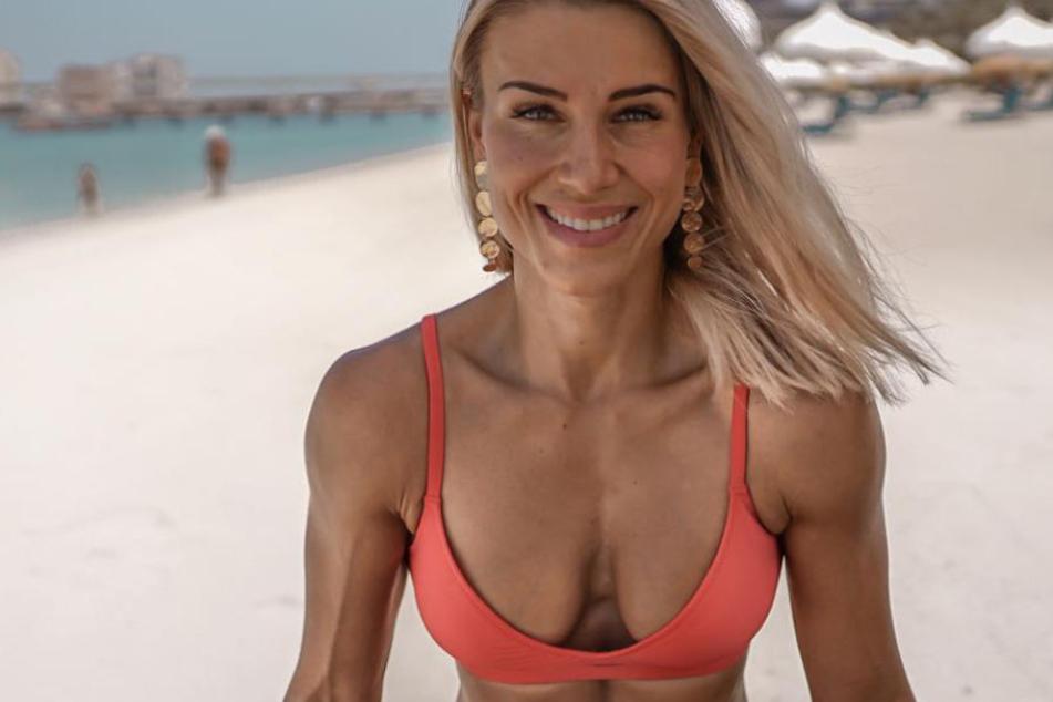 Toller Körper: Adrienne zeigt sich gern freizügig im Urlaub.