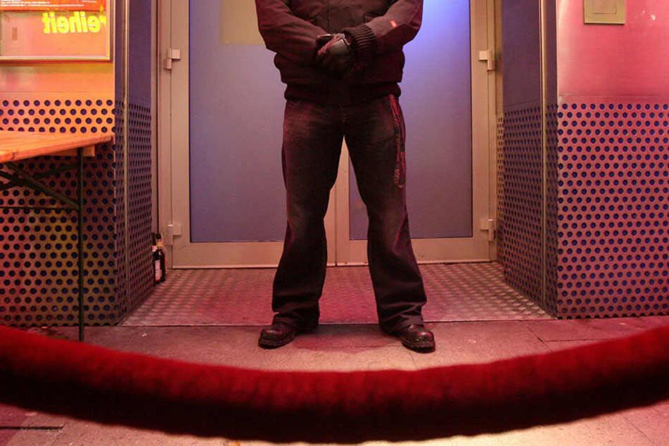 Türsteher geben ein Gefühl von Sicherheit im Club. (Symbolbild)