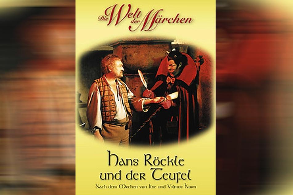 """Im DEFA-Märchenfim """"Hans Röckle und der Teufel"""" spielt Rolf Hoppe den Puppenspieler, Herbert Köfer den Dienstherren."""