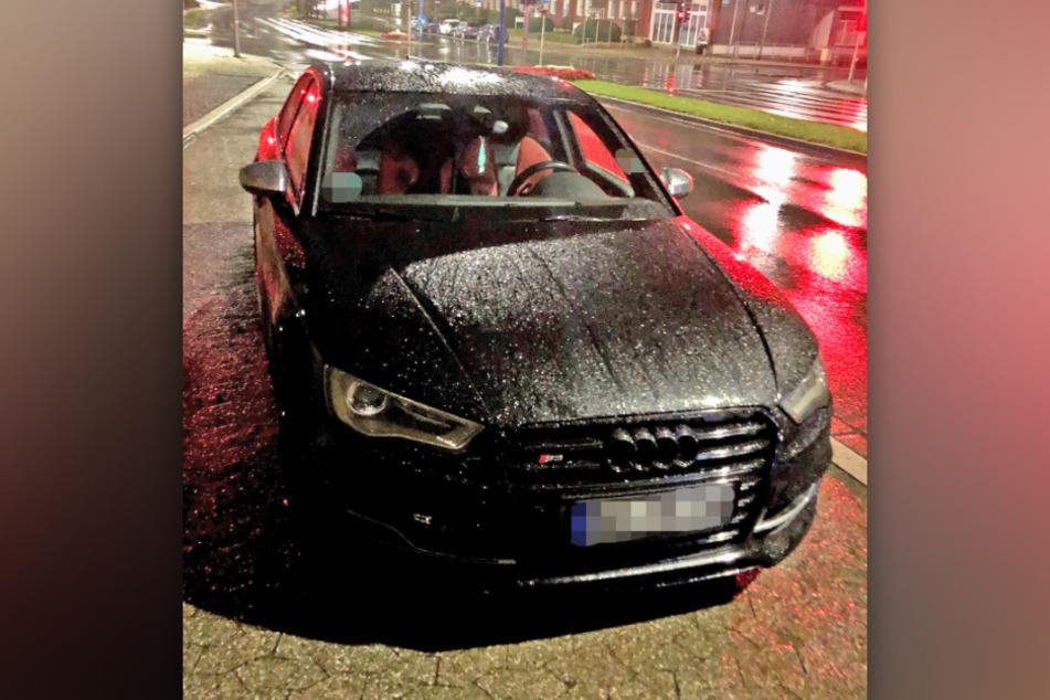 Die Audi-Fahrer ließen ihre Räder durchdrehen. Gegen sie läuft nun ein Strafverfahren.