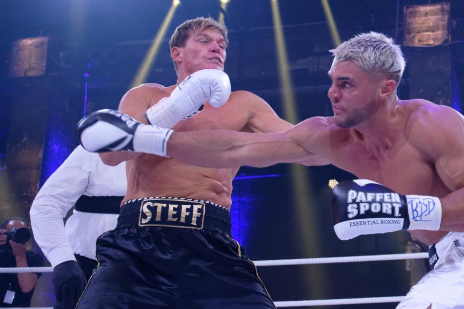 """Stephan """"Steff"""" Jerkel (52, l.) hatte gegen Pitbull Marcellino Kremers (27) keine Chance."""