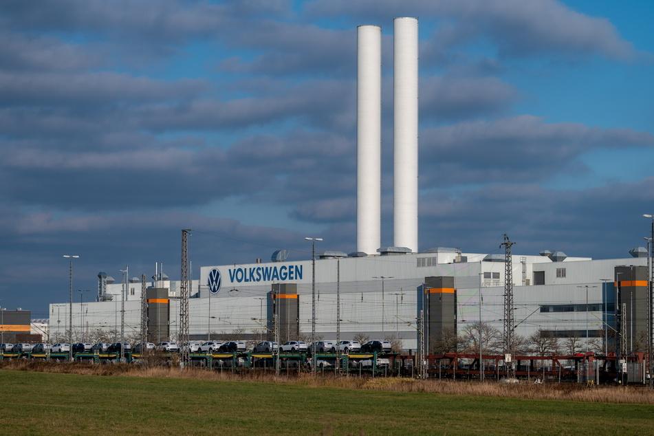 Autoverband warnt: Ab Montag drohen Werksschließungen in Sachsen!