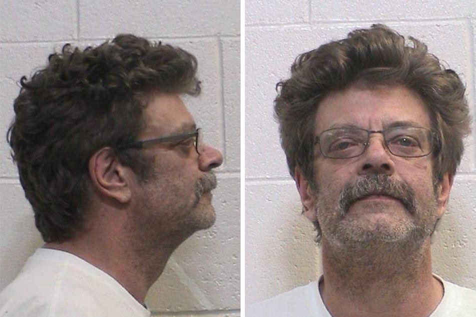 Der angeklagte Mark Redwine (59) bei seiner Verhaftung im Jahr 2017: Nun steht er vor Gericht, weil er seinen 13 Jahre alten Sohn ermordet haben soll. (Archivbild)