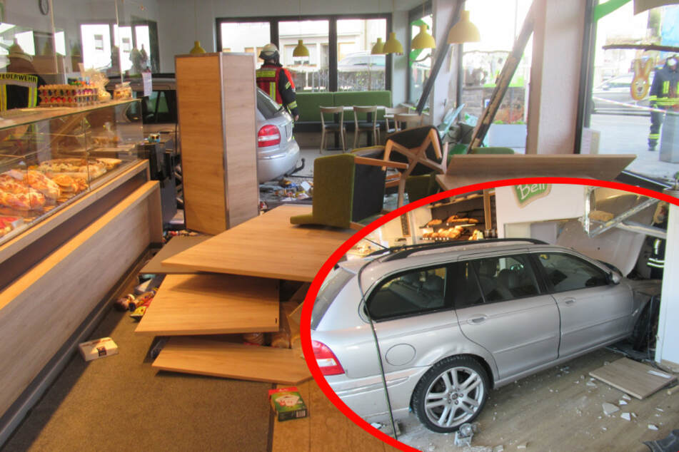 Mit Auto in Bäckerei gekracht: Senior (87) macht kleinen Fehler mit heftigen Folgen