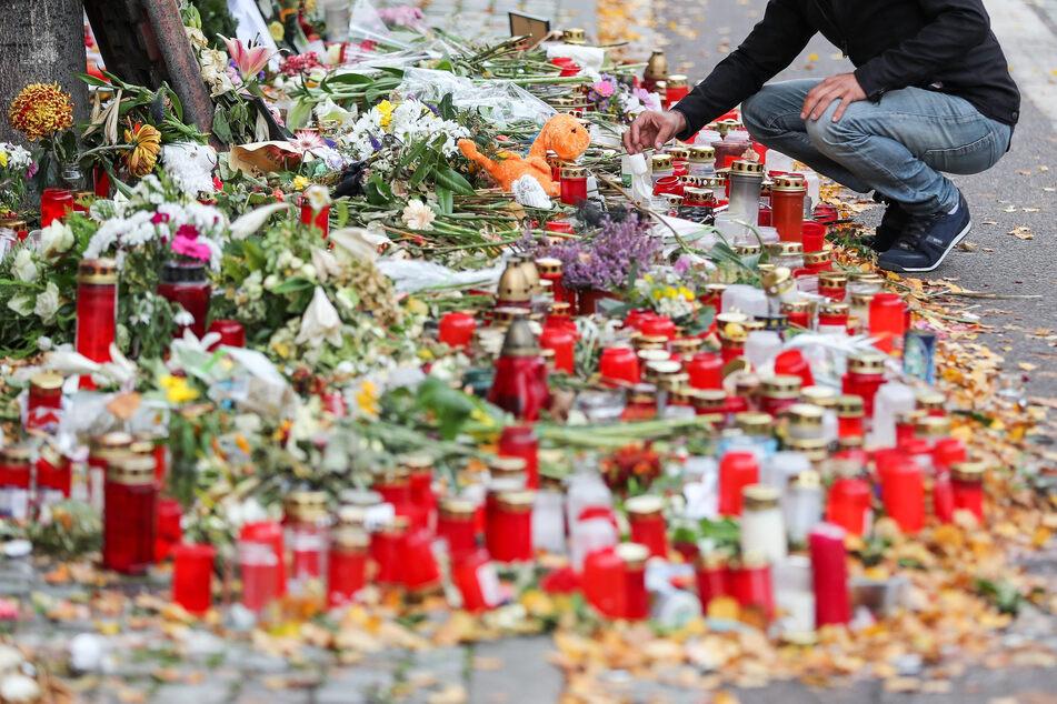 Erster Jahrestag in Halle steht bevor: Kreide-Menschenketten sollen Terror-Opfern gedenken