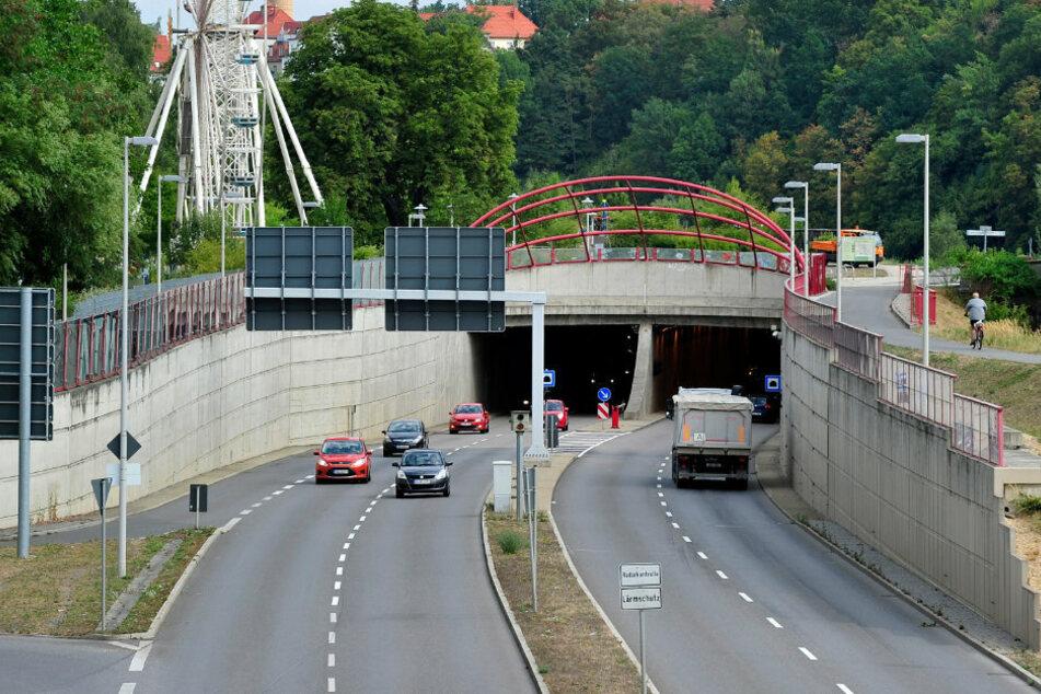 Der Fahrer haute in Richtung Citytunnel ab. (Archivbild)