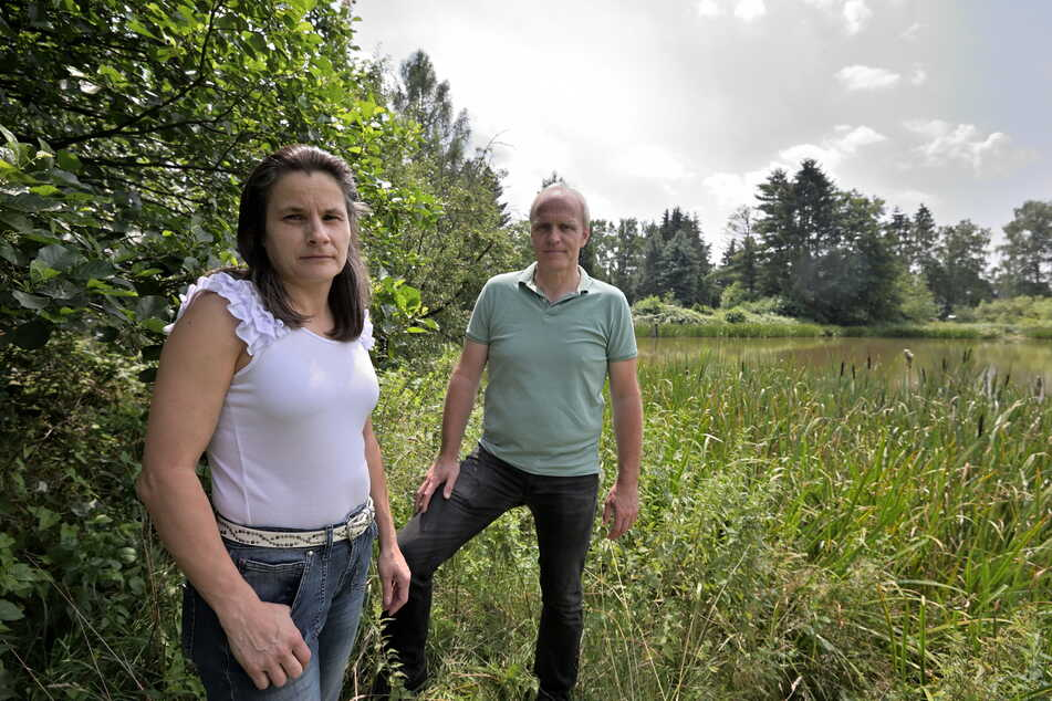 In Grüna nahmen Stadtrat Bernhard Herrmann (55,Grüne) und Carola Hilkmann (47) vom Ortschaftsrat das Problem selbst in die Hand und beantragten eine Förderung beim Umweltministerium.