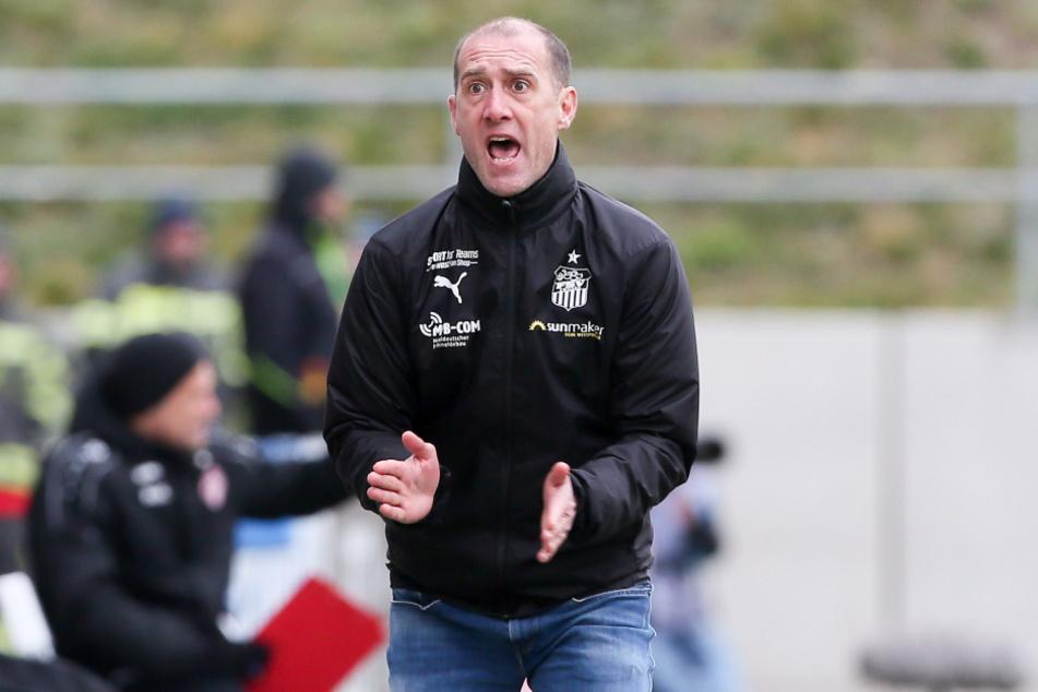 """""""Jetzt geht es nicht um persönliche Befindlichkeiten"""", sagt FSV-Coach Joe Enochs."""