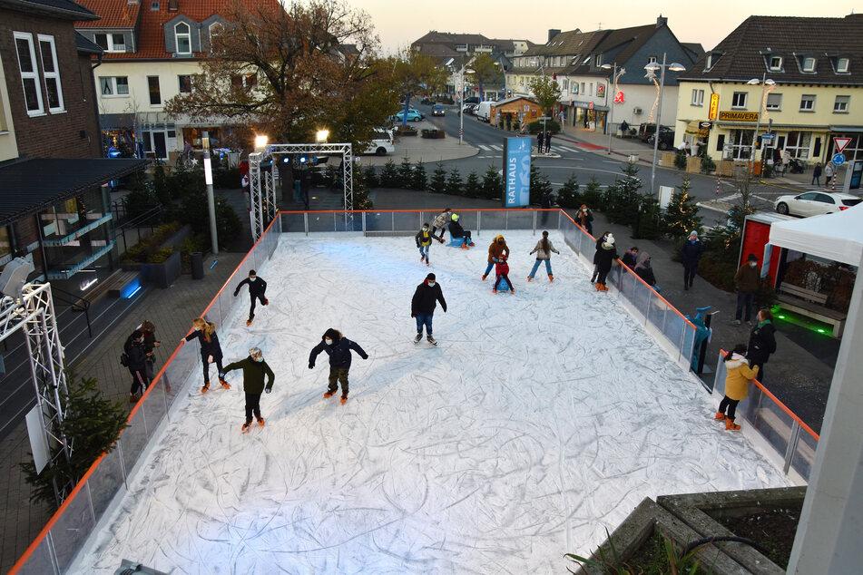 Im Streit um die Nutzung der Eislaufbahn vor dem Rathaus in Monheim während der Corona-Pandemie konnte ein Kompromiss ausgehandelt werden.