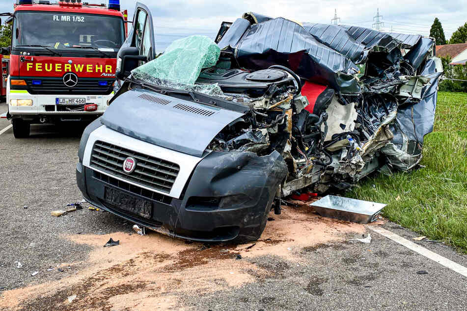 Dieser Fiat wurde komplett zerstört.