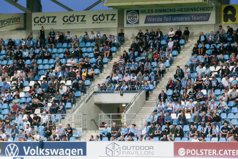 Fußball in Corona-Zeiten: Im September durften noch 4632 Zuschauer ins CFC-Stadion. Ab sofort liegt die Obergrenze bei 1000.
