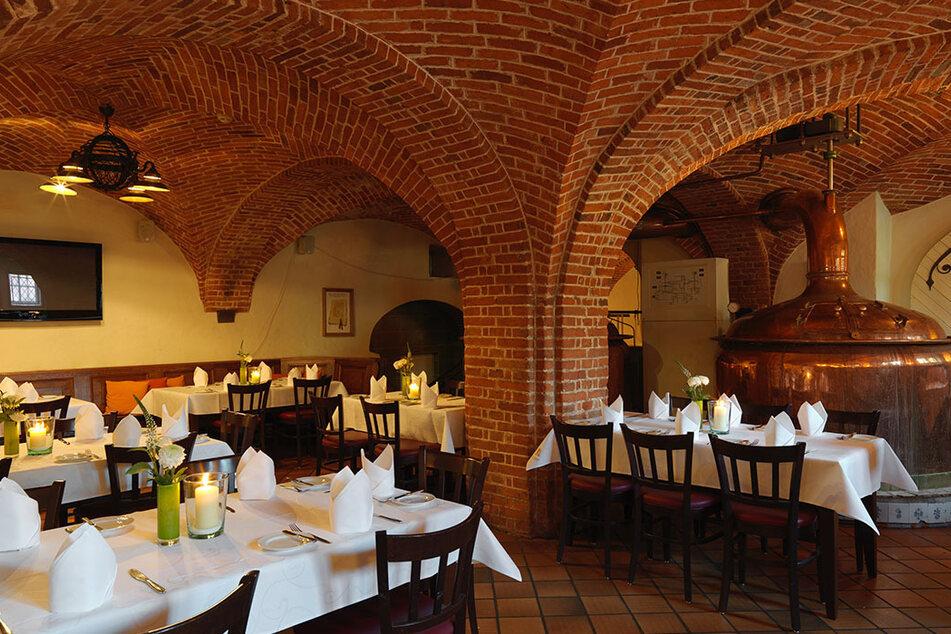 """Das Restaurant """"Klosterkeller"""" verfügt über eine eigene Brauerei. Hier wird unter anderem das """"Marienfelder Klosterbräu"""" serviert."""