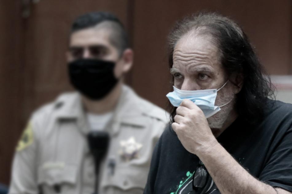 Anklage wegen Vergewaltigung: Pornostar Ron Jeremy droht Mega-Haftstrafe