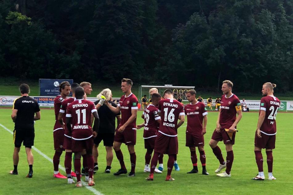 Dynamos erste Elf macht sich bereit.