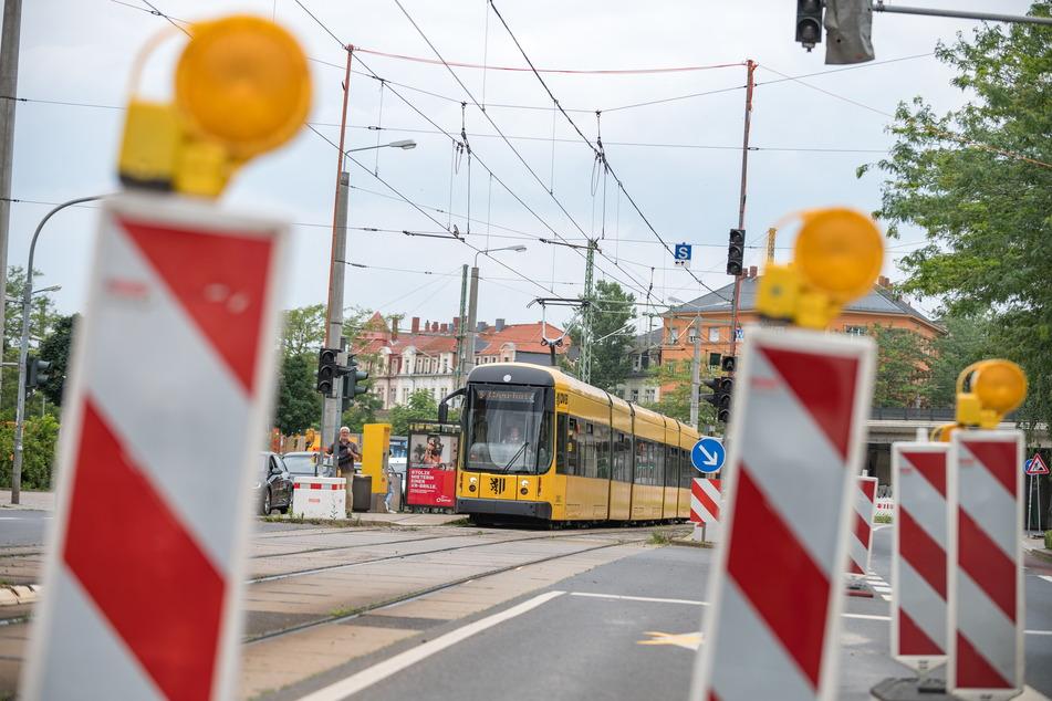 Der Straßenbahnverkehr in Dresden wird während der Sommerferien durch diverse Baustellen beeinträchtigt.