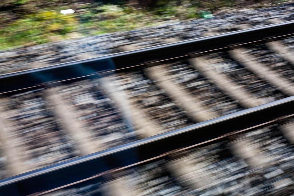 Tödlicher Zugunfall im Kreis München: Mann von Regionalbahn erfasst