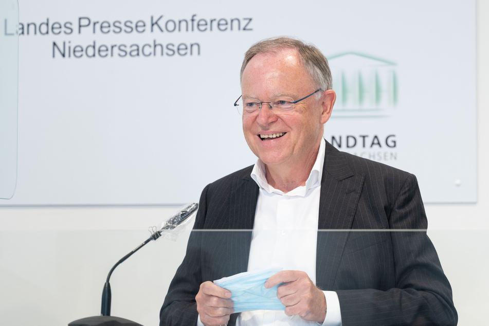 Stephan Weil (SPD), Ministerpräsident Niedersachsen, fordert den Bund auf, endlich Voraussetzungen für Kontrollen des Autoreiseverkehrs zu schaffen.