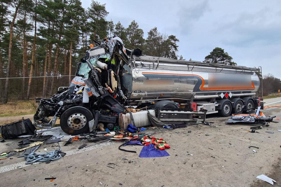 Der Fahrer des Tanklastzugs war ungebremst in ein Stauende gefahren, er starb noch an der Unfallstelle.