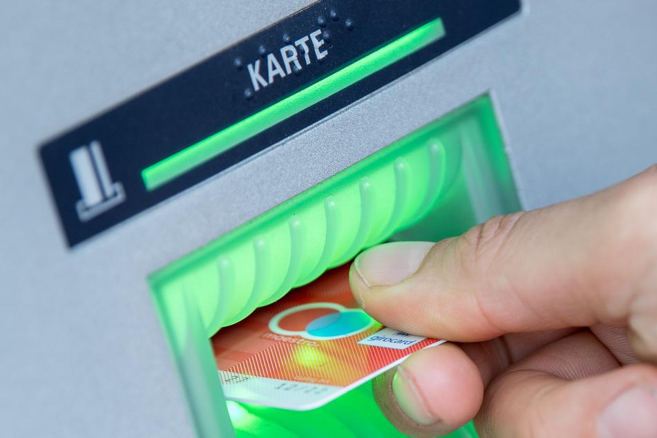 Vorsicht in Leipzig: Kriminelle manipulieren Geldautomaten