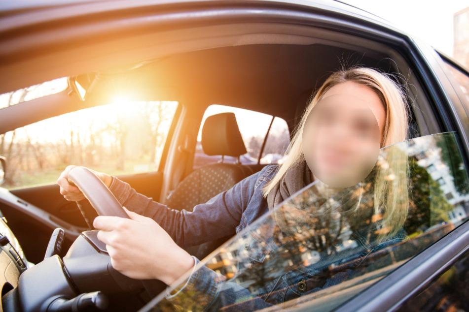 Die Frau sprach das Mädchen vom Auto aus an (Symbolbild).