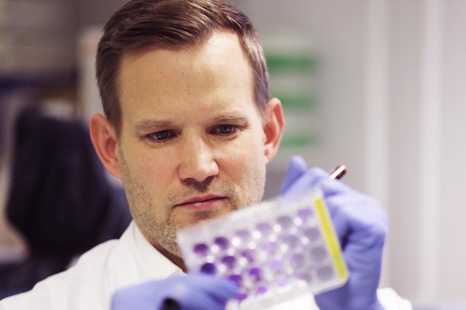 Der Virologe Hendrik Streeck (43).